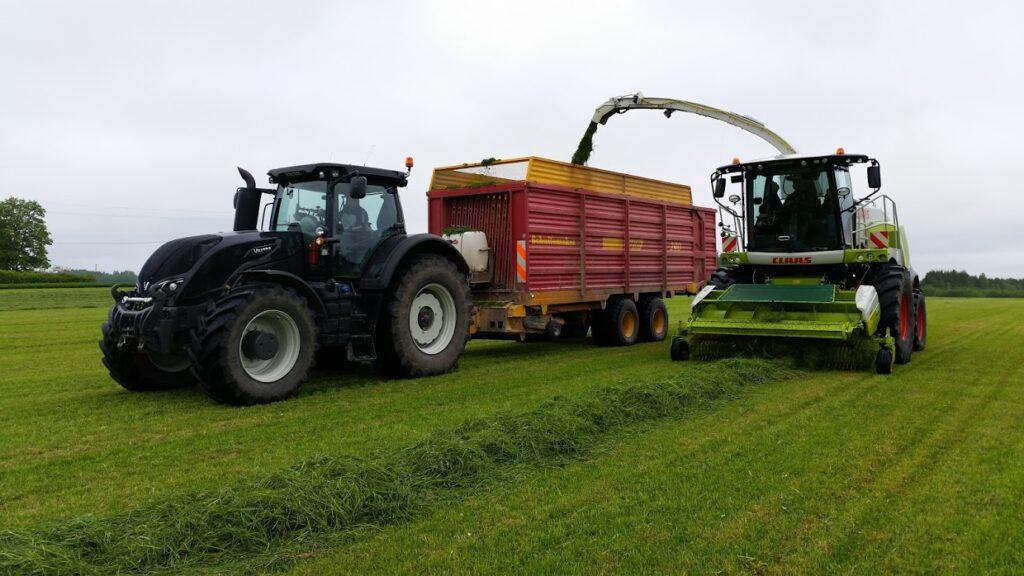 Väätsa Agro traktoritele ja kombainidele on paigaldatud GPS-seadmed igapäevatöö lihtsustamiseks