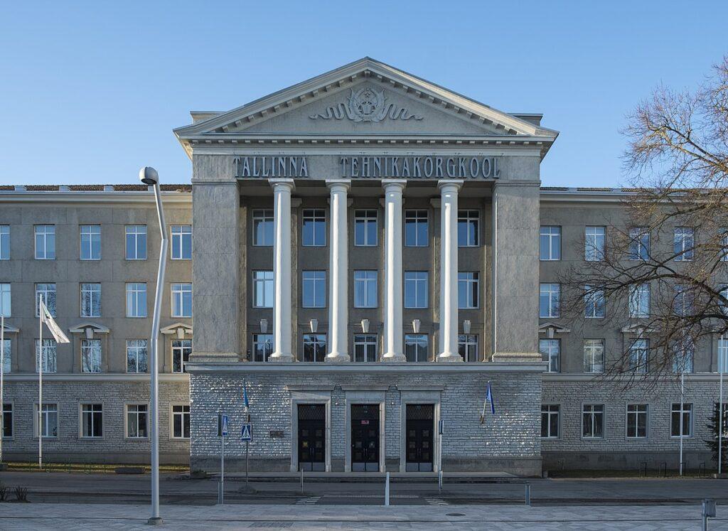 Tallinna Tehnikakõrgkooli peahoone eestvaates